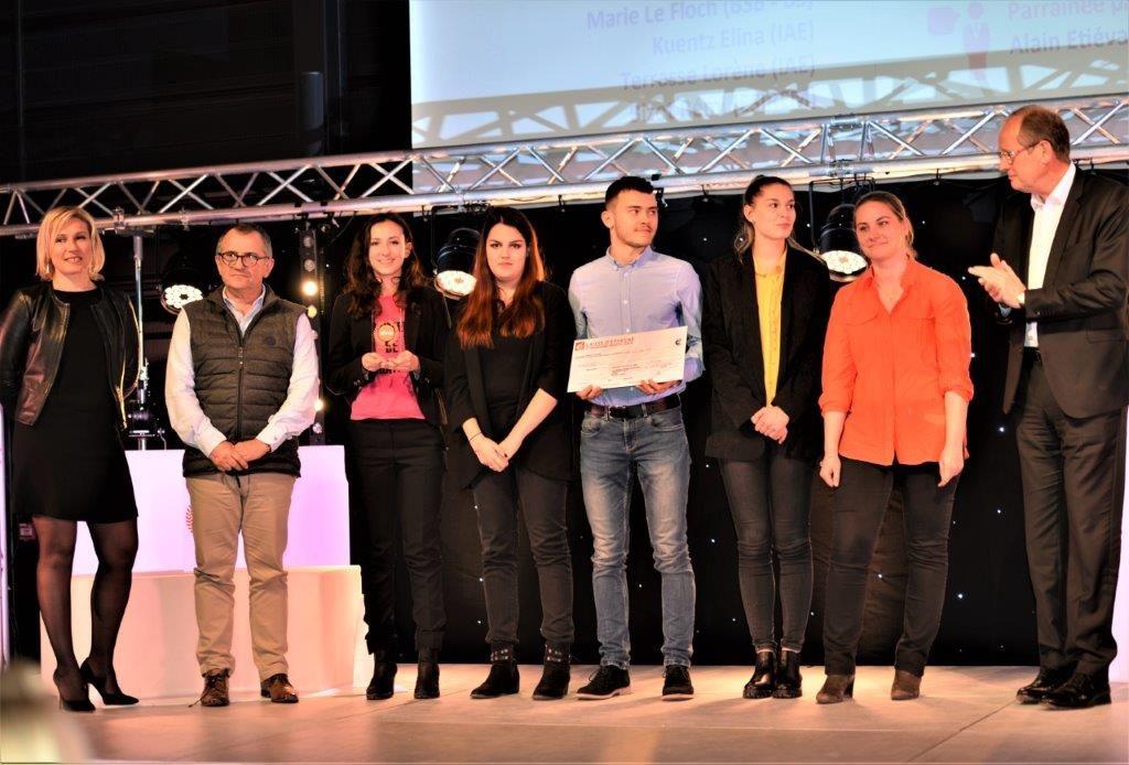 L'équipe des lauréats des Entrepreneuriales accompagné par leurs mentors